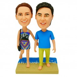 personalized beach couple bobblehead