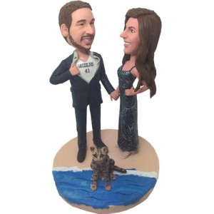 personalized couple in beach bobbleheads
