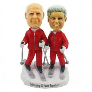 personalized skiing couple bobblehead