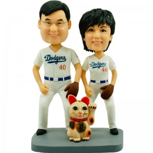 customised baseball couple bobblehead with Maneki Neko