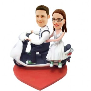 personalized couple on scooter bobbbleheads