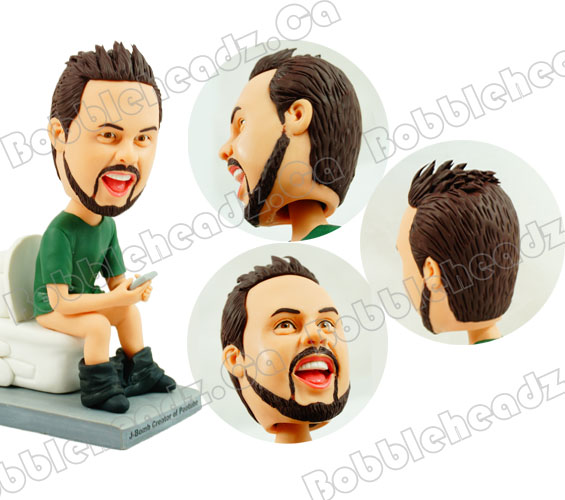 customized-shitting-man-bobblehead-doll